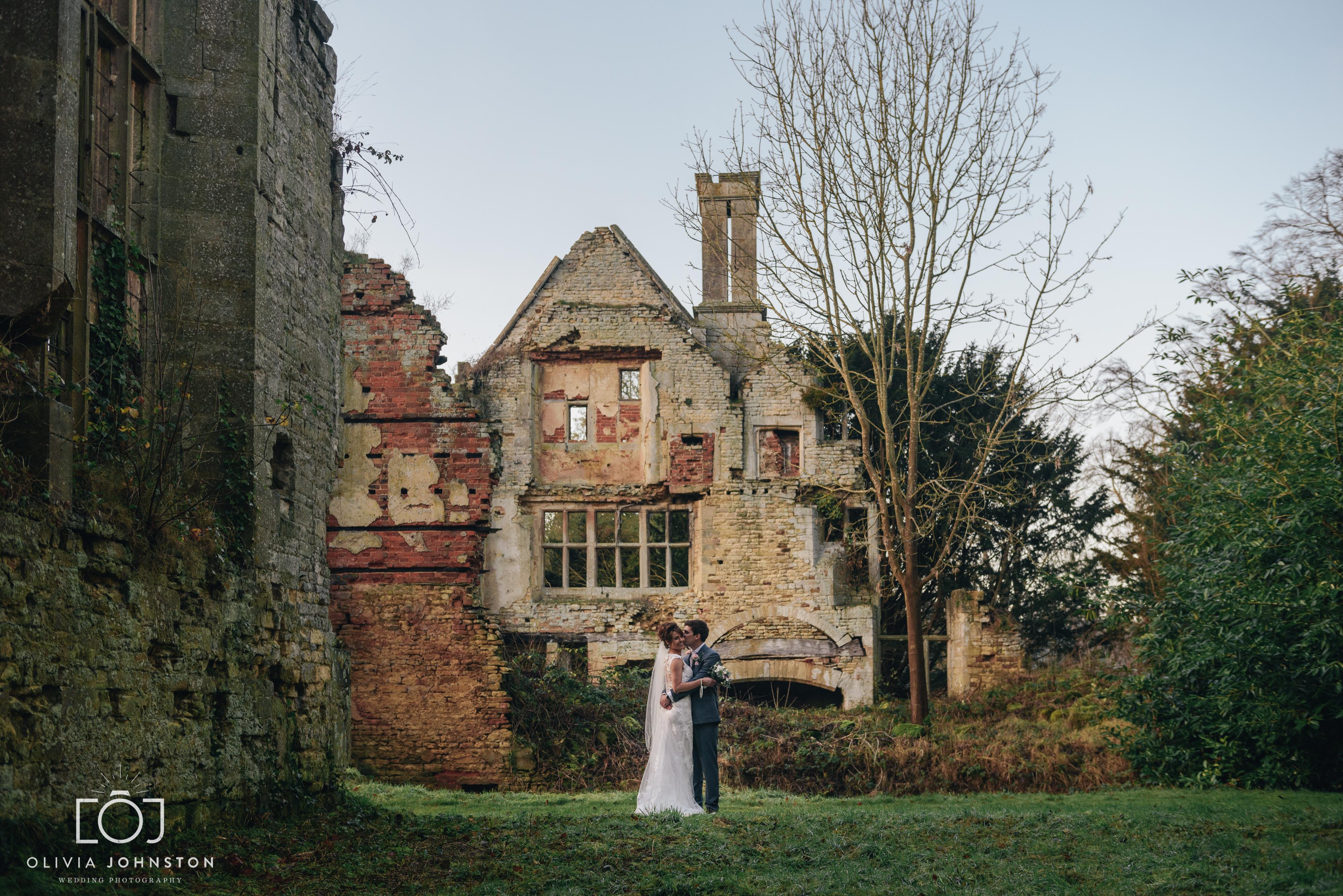 Oakham Wedding photographer, Stamford Wedding Photographer, ruins, natural wedding photography